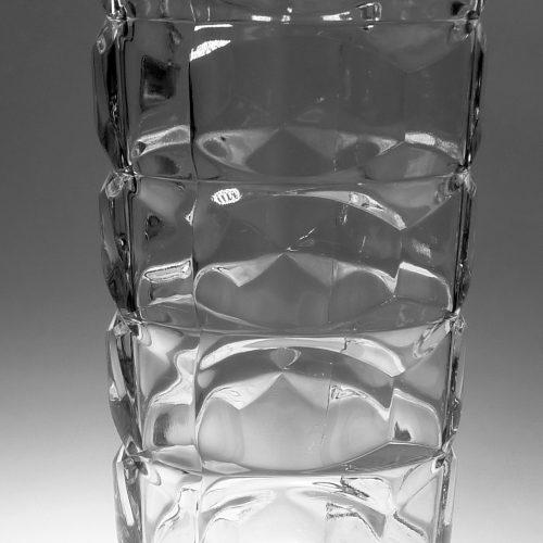 Vase en verre biseauté