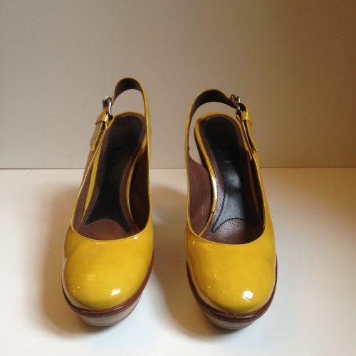 Sandales à talons en cuir verni – MARNI