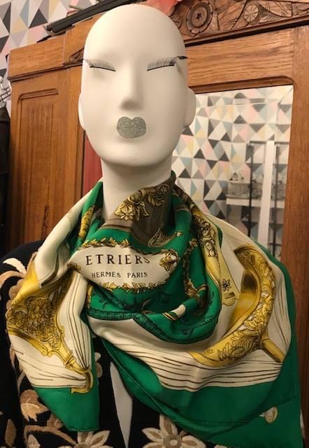 foulard carre hermès occasion pas cher