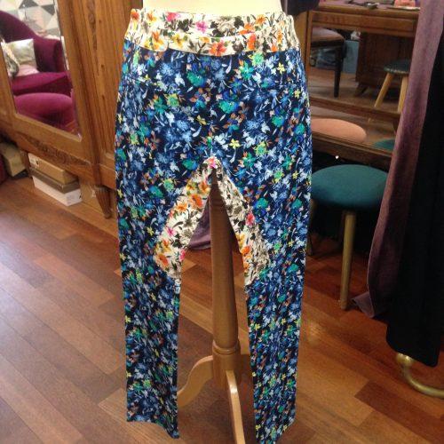 Pantalon droit fleuri – ROSEANNA