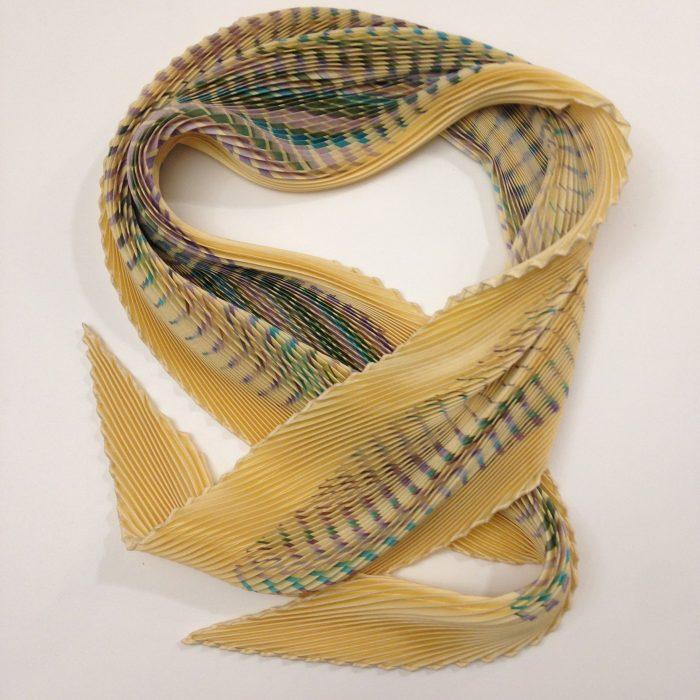 Foulard plissé en soie HERMES occasion pas cher