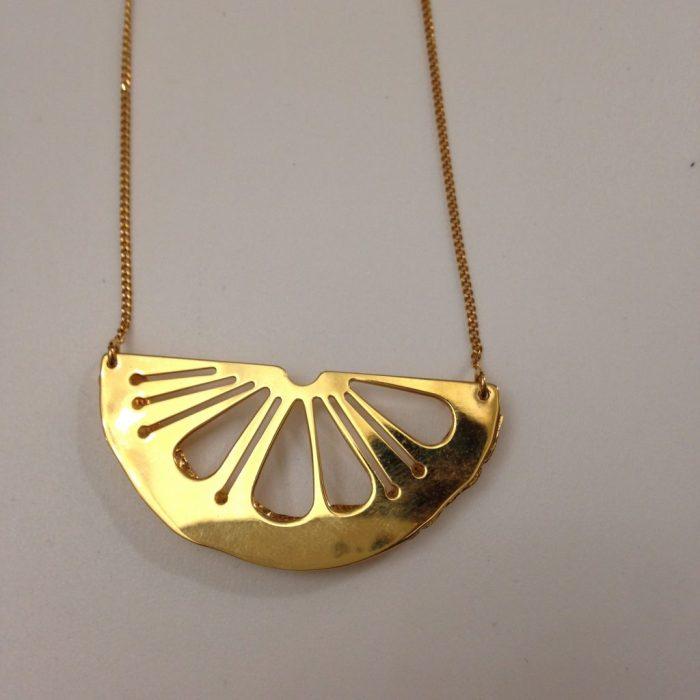 collier citrus metal doré a lor fin 24 carats