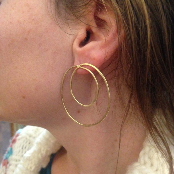 boucles d'oreilles saturne dorees à l'or fin atelier horizon