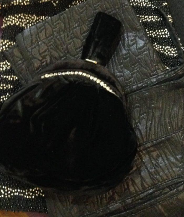 sac minaudière en velours et strass style vintage