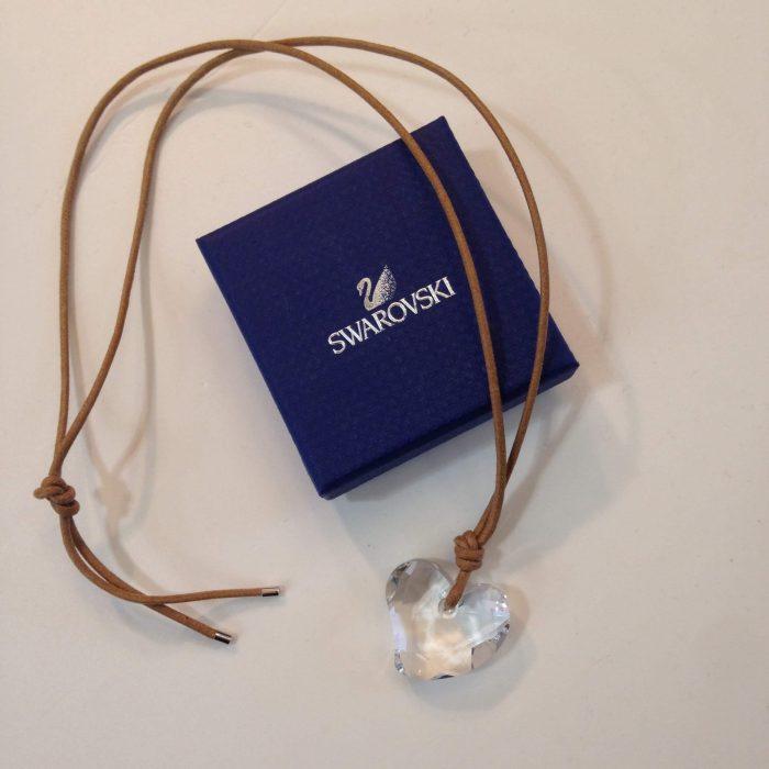 collier coeur en cristal Swarovski avec cordon occasion