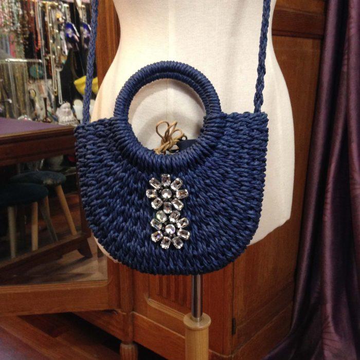 mini sac en raphia bleu et strass neuf
