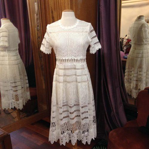 Robe en dentelle blanche mi-longue – MAJE