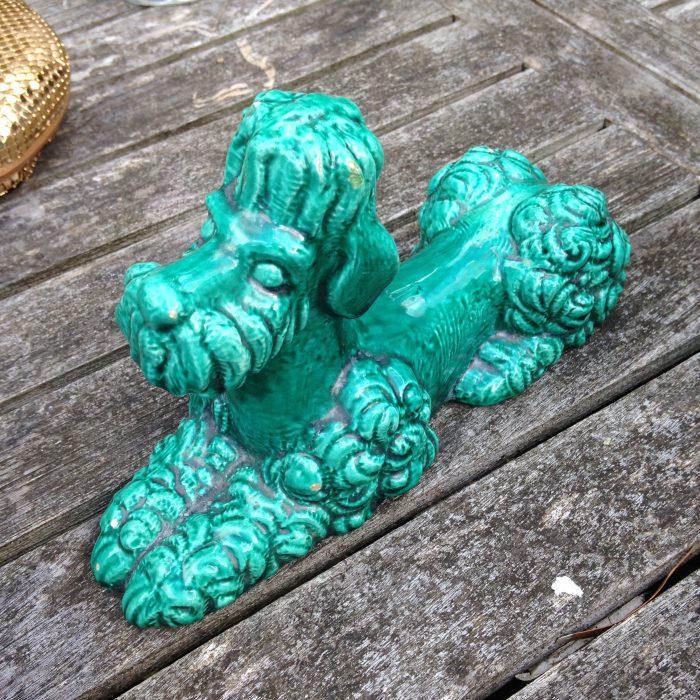 statuette caniche en céramique vintage vert